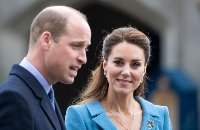 photo shows kate middleton and Prince Will
